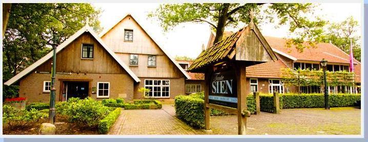 Senior Hotel Tante Sien - hoofdfoto